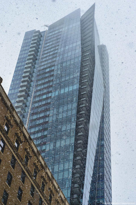 Снегопад в Ванкувере, The Private Residences at Hotel Georgia