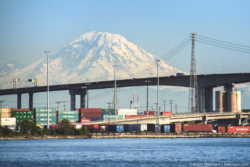 Seattle City Pass: Mount Rainier from Harbour Tour