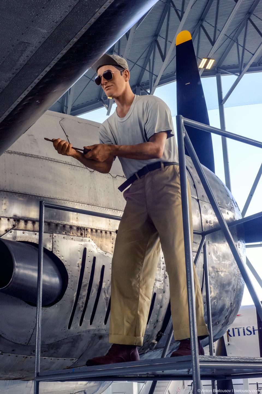 Seattle Museum of Flight: 1945 B-29 Superfortress mechanic