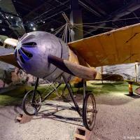 Обратите внимание на пушку, установленную на этом Caproni Ca.20 1914 года, поднятую над лопастями винта.