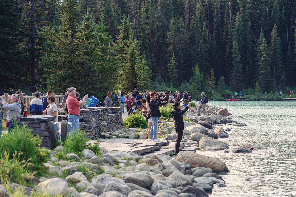 Tourists at Lake Louise (Banff National Park)