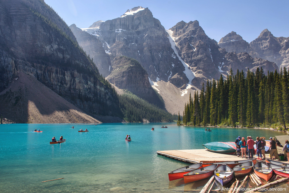 Lake Moraine kayaks (Banff National Park)