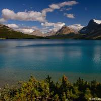 Озеро разлилось на высоте 1,920м, соответственно на этой же высоте начинается и тропа, которая поднимается чуть выше отметке 2км.
