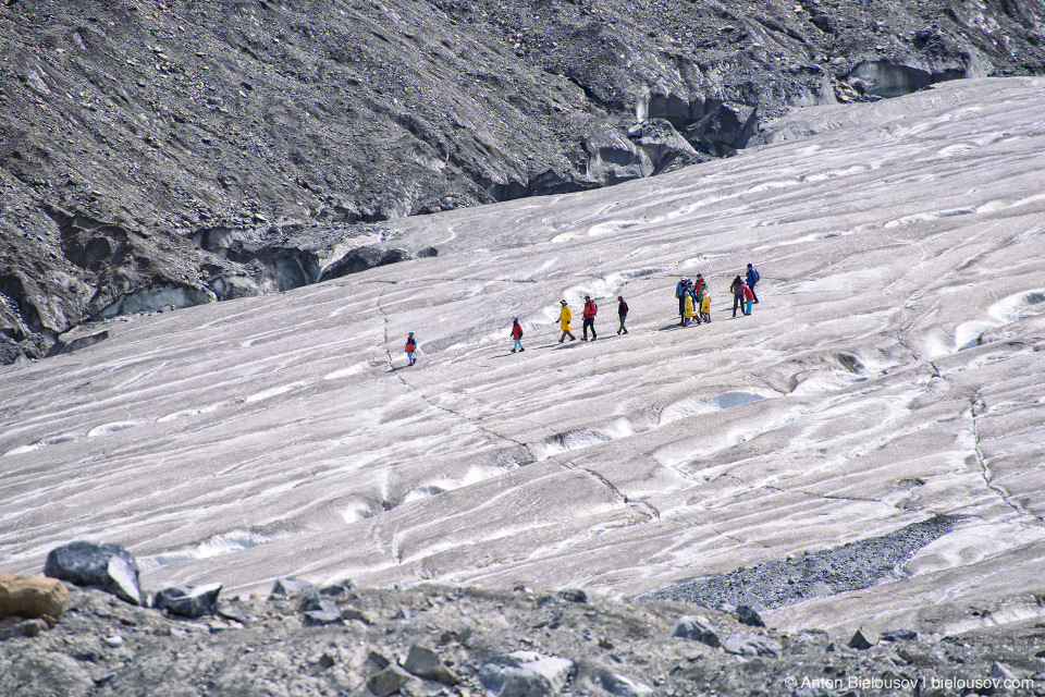 Athabasca Glacier group tour, Columbia Icefield, Jasper National Park