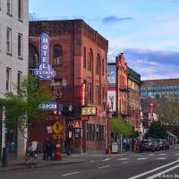 Архитектура даунтауна ничем не примечательна — все тот же Ванкуверский гэстаун или Сиэтловский Куин-Анн, но от того только больше чувствуешь себя как дома.