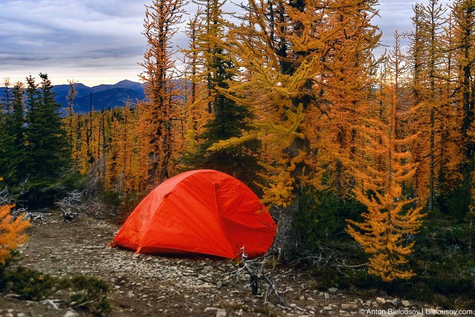 Палатка на тропе на Frosty Mountain