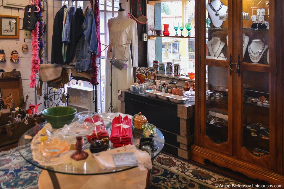 Vintage store Nehalem, OR