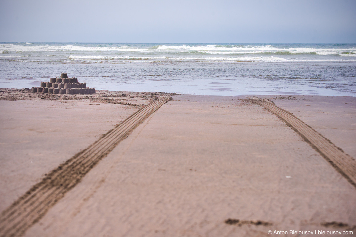 Sand castle and car tracks — Long Beach, WA