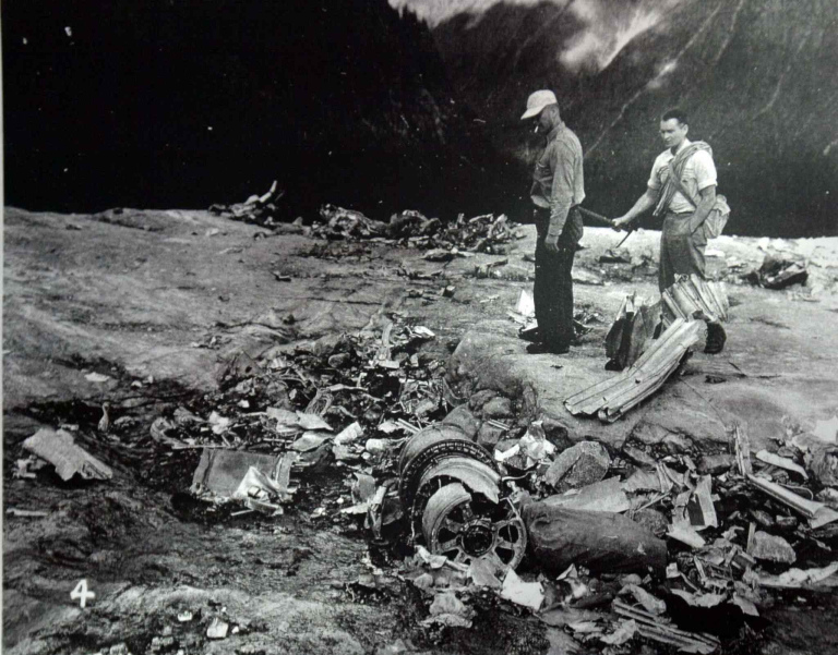 CRASH OF A CANADAIR C-4M2 NORTH STAR ON MT SLESSE